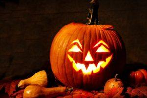 svtonline-halloween-mindenszentek-töklámpás